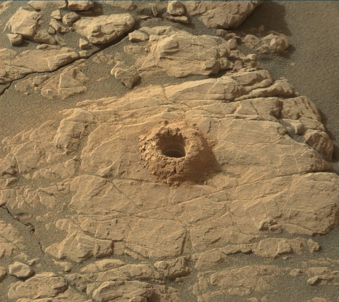 MARS: CURIOSITY u krateru  GALE Vol II. - Page 37 2375MR0126200011002052E01_DXXX