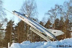 المقاتلة العجوز mig 21  واسطورتها وتاريخها حول العالم ^_^ Kuopio98_2