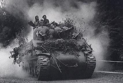 [1/35] Sherman Mk III kiwi - Page 2 Shermann