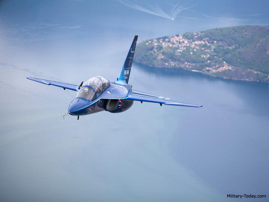 طائرة التدريب المتقدم m346 Aermacchi_m346_master_l2