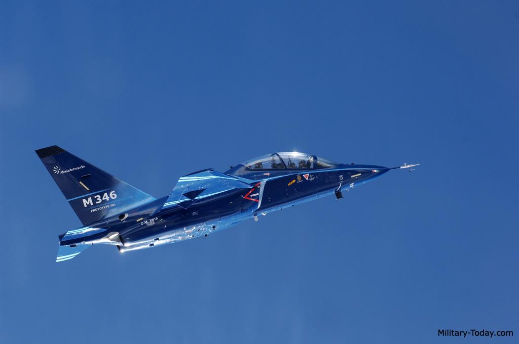 طائرة التدريب المتقدم m346 Aermacchi_m346_master_l3