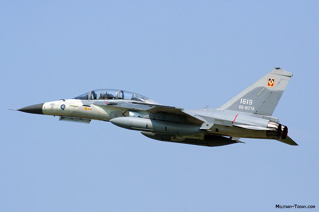 تايوان تملك طارتها الخاصه AIDC F-CK-1 Ching KuoAIDC F-CK-1 Ching Kuo Aidc_fck1_ching_kuo_l2