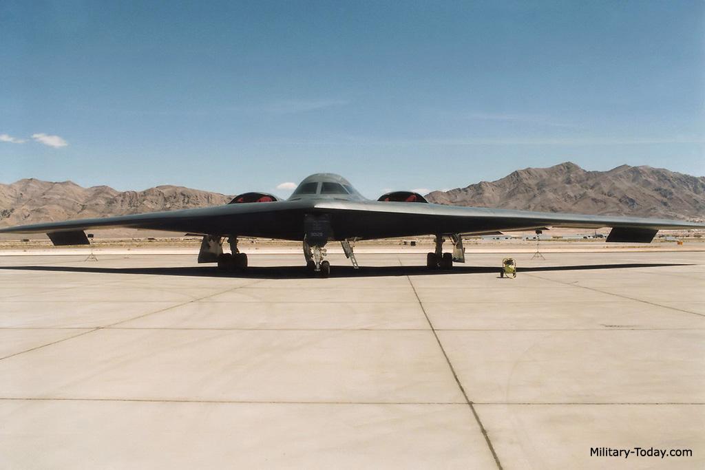 الخفافيش السوداء Northrop Grumman B-2 Spirit B2_spirit_l1