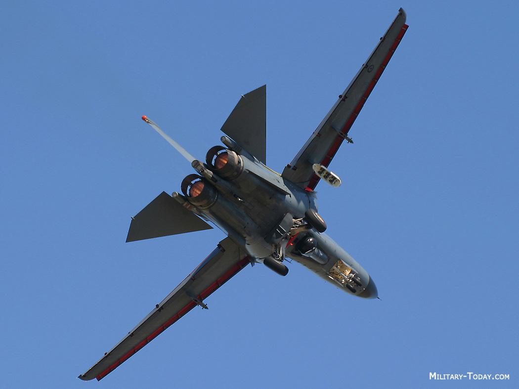 General Dynamics F-111 Aardvark F_111_aardvark_l6