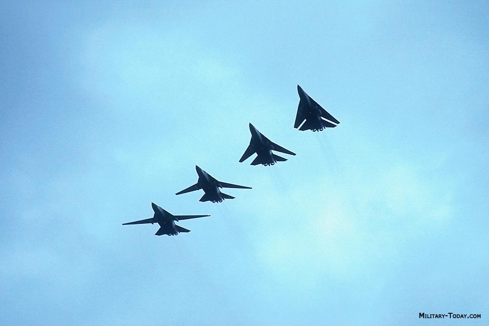 General Dynamics F-111 Aardvark F_111_aardvark_l7