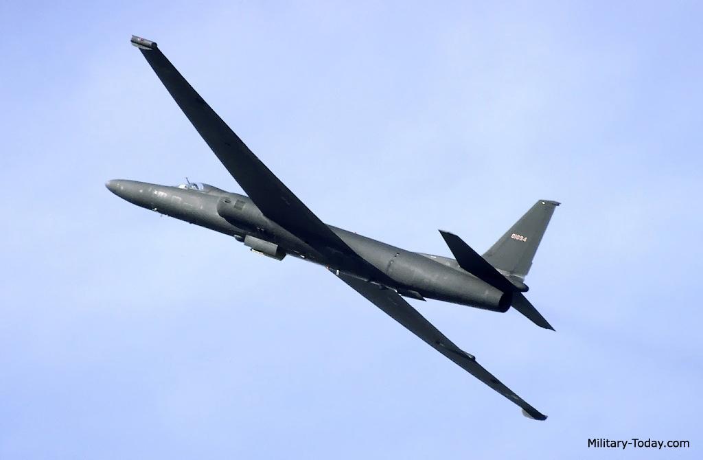 طائره الاستطلاع والتجسس الامريكيه المشهوره U-2  Lockheed_u2_l2