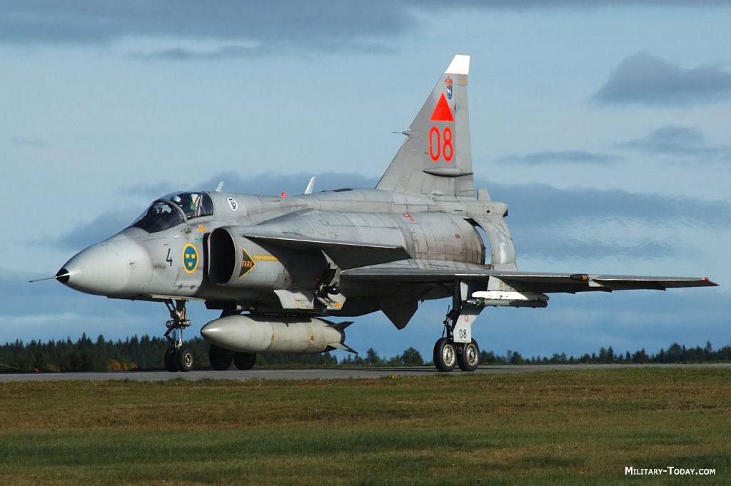 متعددة المهام الجبارة Saab 37 Viggen Saab_37_viggen_l2