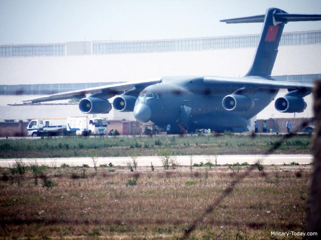 طائره النقل الثقيل الصينيه الجديده Xian Y-20  Y20_l1