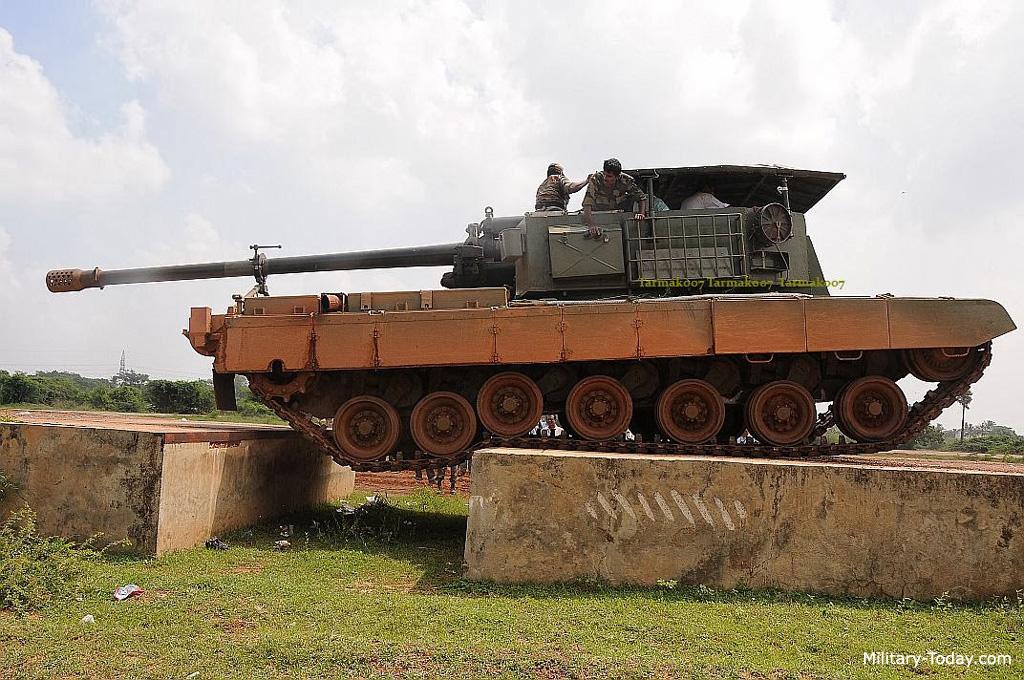 مدفعية المنجنيق 130 ملم Arjun_catapult_l2