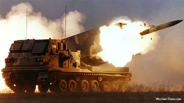 عملاق صناعة السلاح الأمريكية Lockheed Martin  M270_mlrs