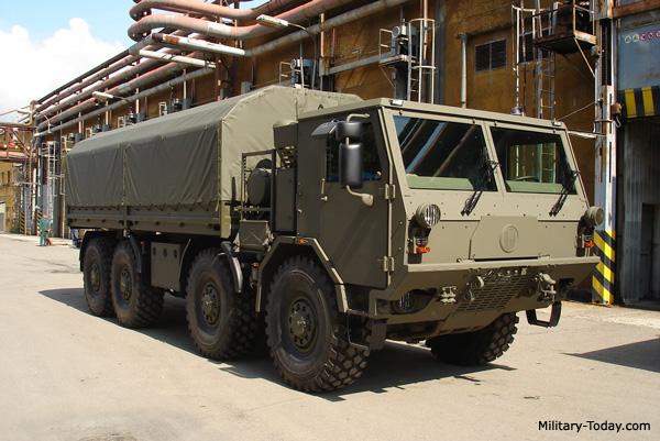 إقامة خطوط تجميع ناقلات TATRA العسكرية في السعودية Tatra_t815_7mor89