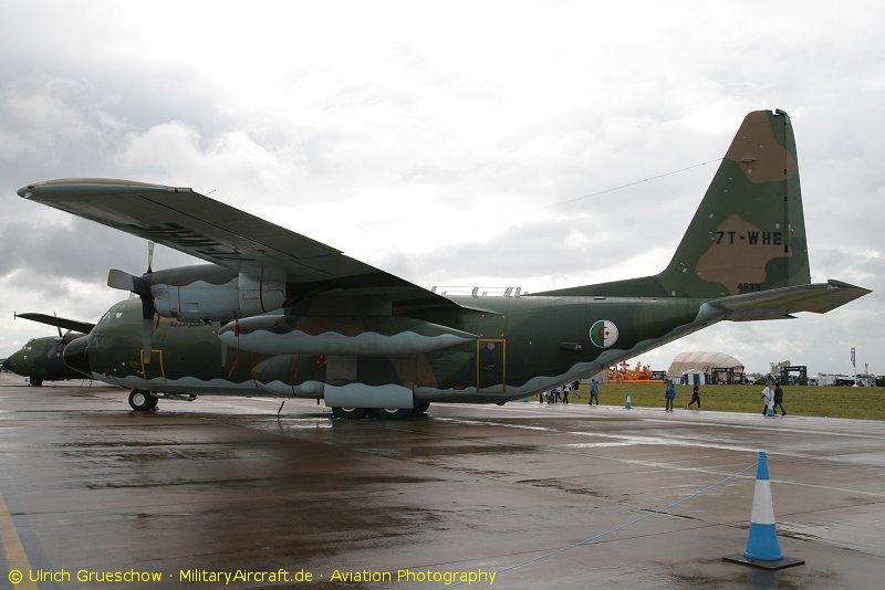 طائرة النقل سى-130 هرقل  CC-130 Hercules - صفحة 2 C-130H-7T-WHE_RIAT2009_1948_800