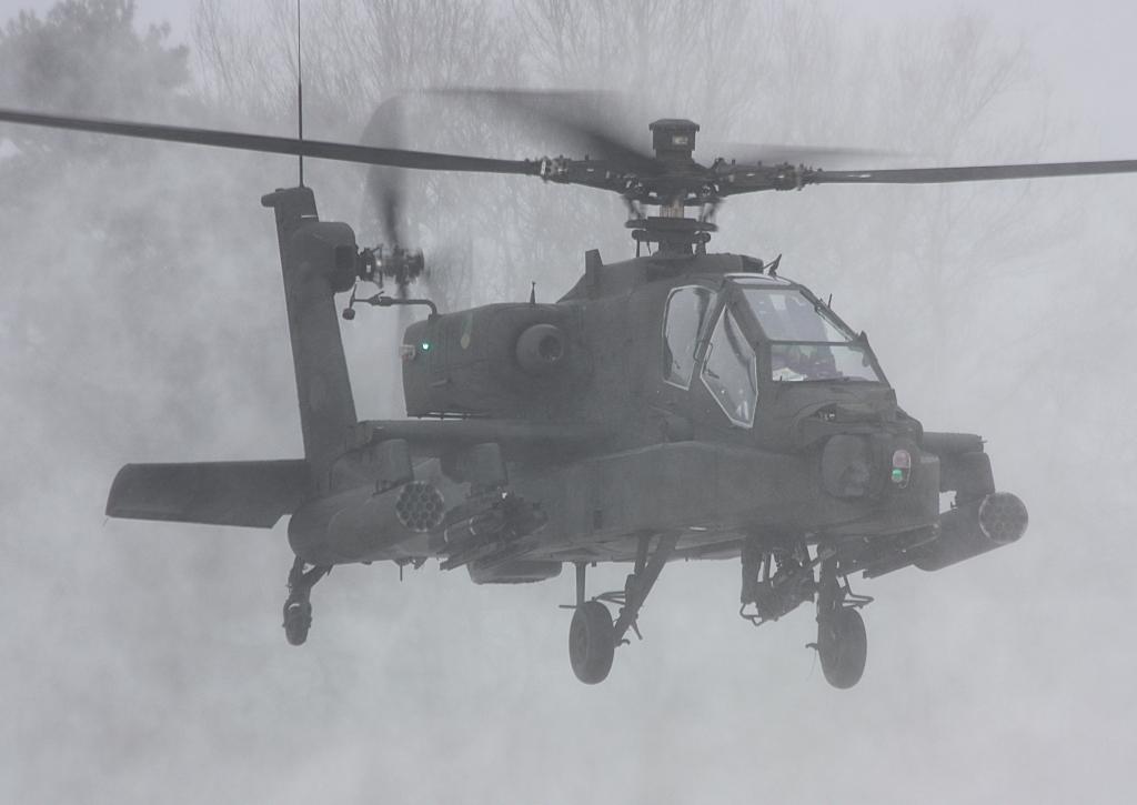 Hélicoptères de combats - Page 3 587_40001_98
