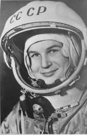 Mujeres en la Historia Valentina-tereshkova-1962-fill-172x267