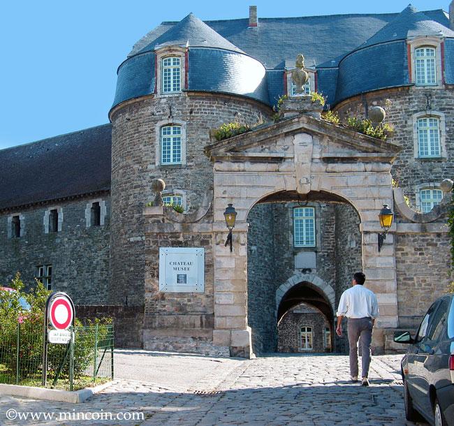 Les Chateaux de René no 10 Trouvé par Ajonc et ce avec brio Boul6