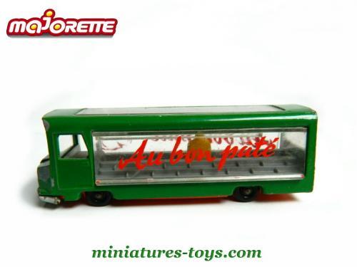 N°03 Etalmobil 500_______majorette_03_etalmobil_vert_sb_c_18428