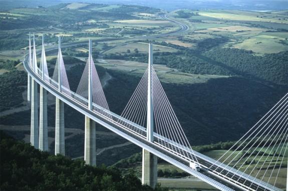 Arhitektura koja spaja ljude - Mostovi Millau-575x381