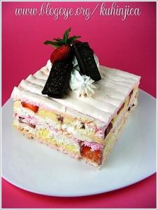 Torte Beze-sa-jagodama-3-226x300