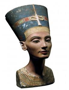 Nefertiti, la bella que vino para quedarse Nefertiti-230x300