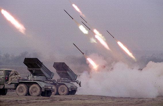"""Operação """"Espingarda da Paz"""" - Página 2 Grozny-30"""