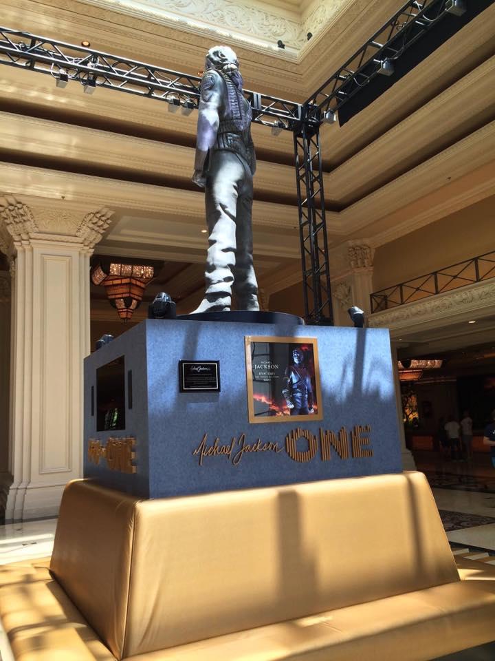 La statua HIStory di Michael Jackson inaugurata a Las Vegas HSV03
