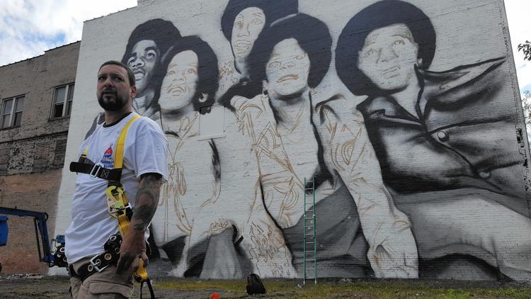 Murale dei Jackson 5 a Gary  Ct-ct-ptb-gary-graffiti-jpg-20161014