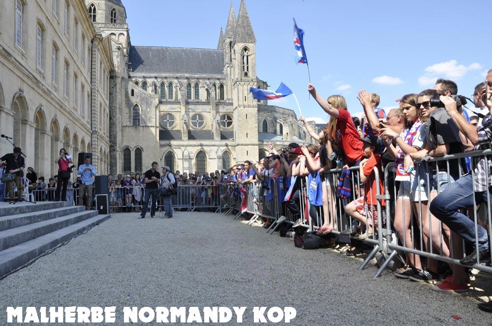 [28e journée de L2] SM Caen 1-1 Nîmes Olympique - Page 21 Mairie09_0