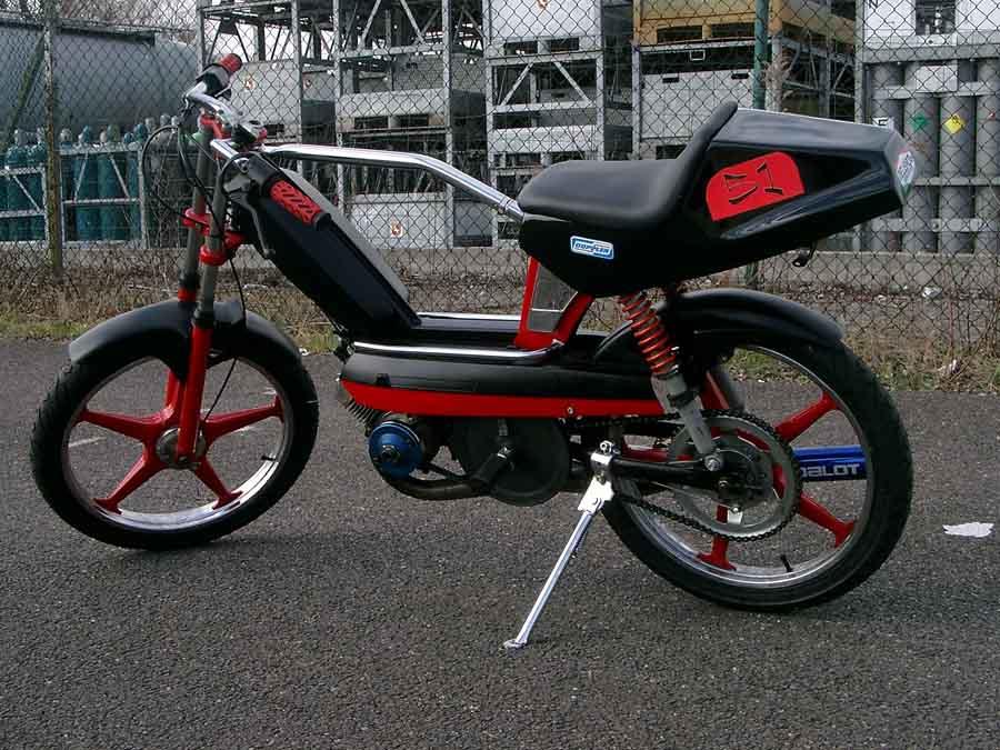 [Actualité] L'actualité moto (et deux roues en général) 4328-peugeot-103-sp-blackred