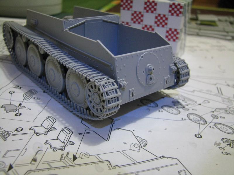 Pz.KpfW. 38(t) Ausf F [ITALERI 1:35] IMG_3514