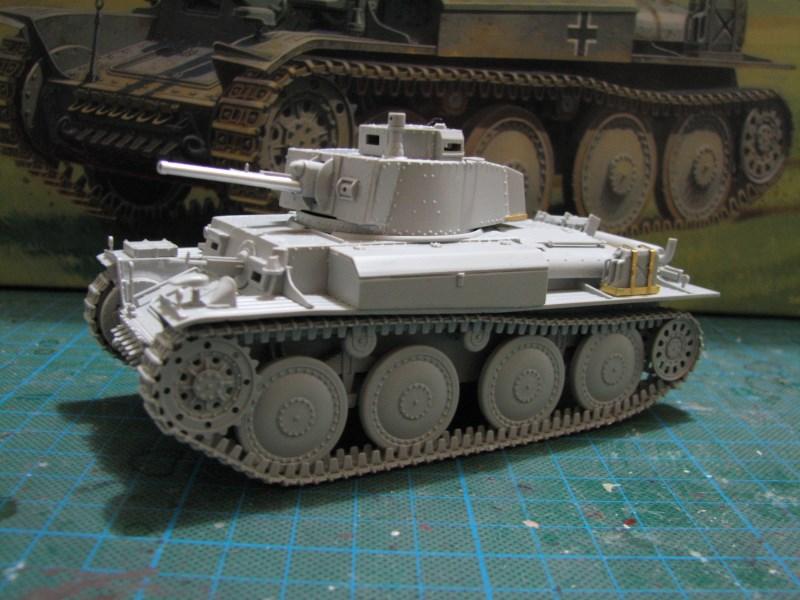 Pz.KpfW. 38(t) Ausf F [ITALERI 1:35] IMG_3518