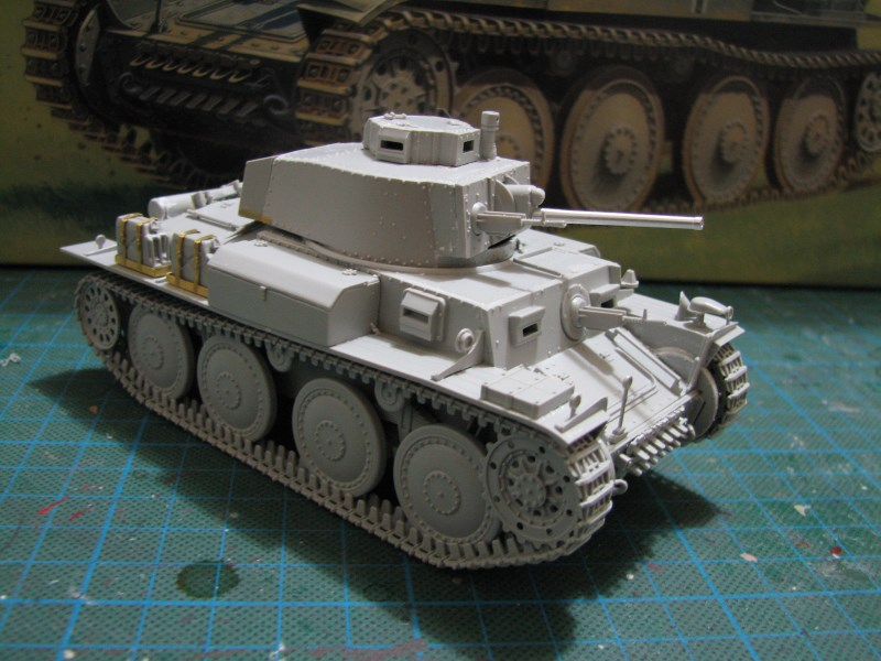 Pz.KpfW. 38(t) Ausf F [ITALERI 1:35] IMG_3522