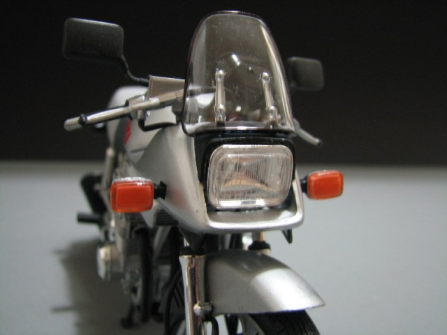 Suzuki Katana GSX 1100 [Tamiya 1:12] Img_0548