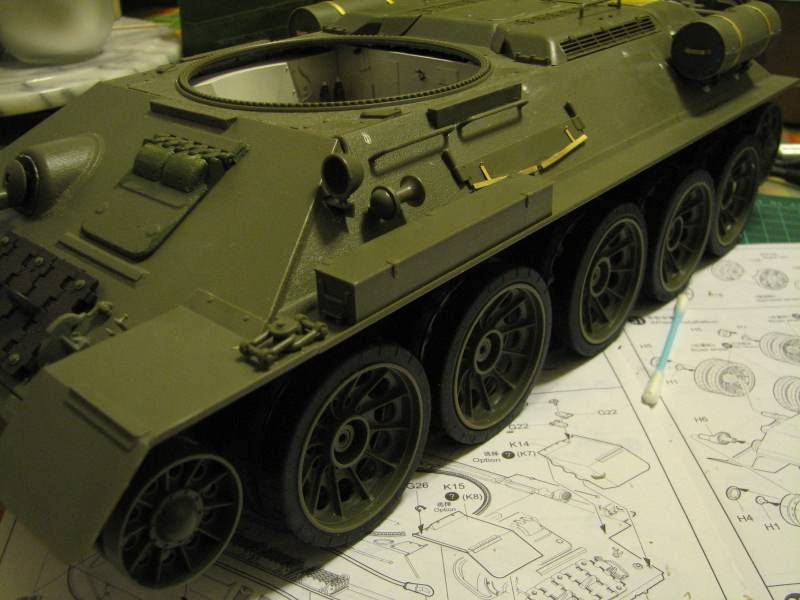 T34/85 model 1944 Factory No.183 [TRUMPETER 1:16] Img_4563