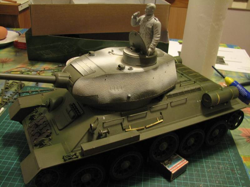 T34/85 model 1944 Factory No.183 [TRUMPETER 1:16] Img_4601