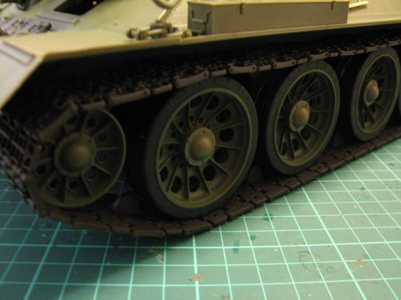 T34/85 model 1944 Factory No.183 [TRUMPETER 1:16] Img_4614