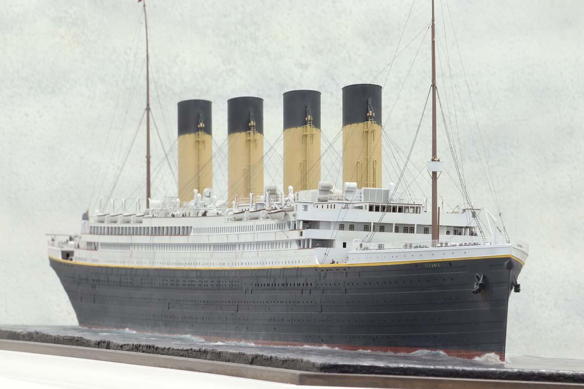 Titanic au 1/200 Trumpeter - Page 3 TITANIC07