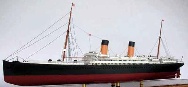 Recherche model reduit a monter de bateaux de la White Star Line Majestic-01