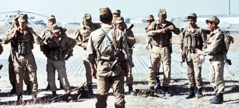 Soviet Afghanistan war - Page 6 800x800_Evstafiev-spetsnaz-prepare-for-mission