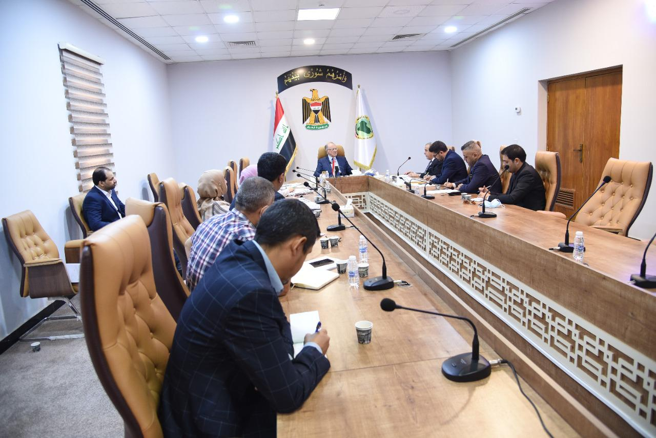 The Minister of Finance: discusses with the government performance evaluation team of the Council of Ministers the program for developing the performance of the ministry 3