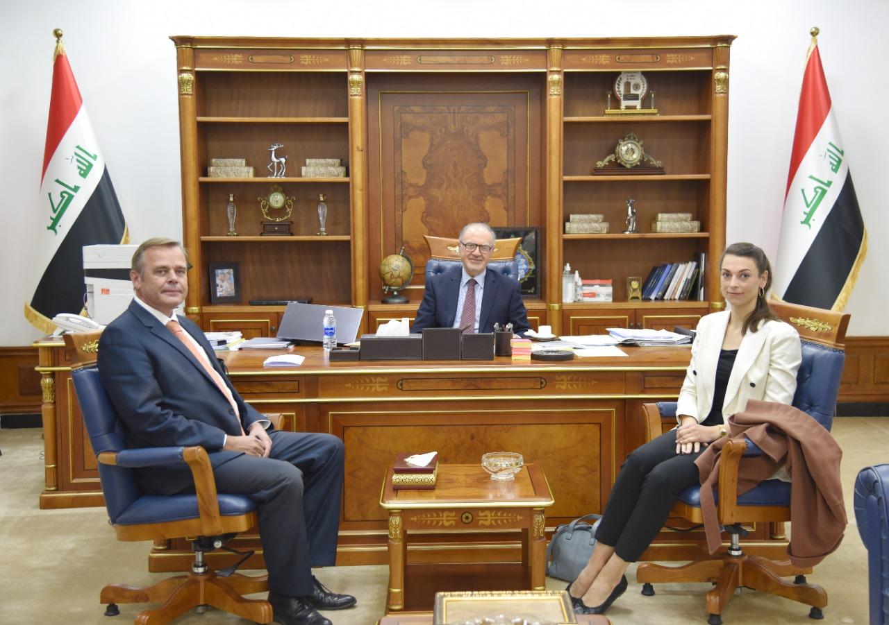 The Minister of Finance receives the Dutch ambassador in Baghdad 46baca57-b9ce-40df-9ebb-9b0165b6db28