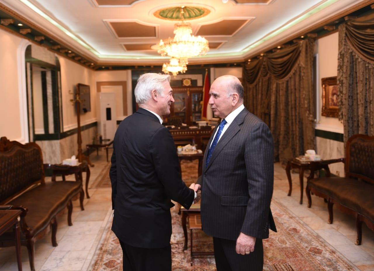 Deputy Prime Minister for Economic Affairs and Minister of Finance receives the Ambassador of the European Union in Iraq 7e31acdf-7cbf-467b-9060-09cc0f44ac50