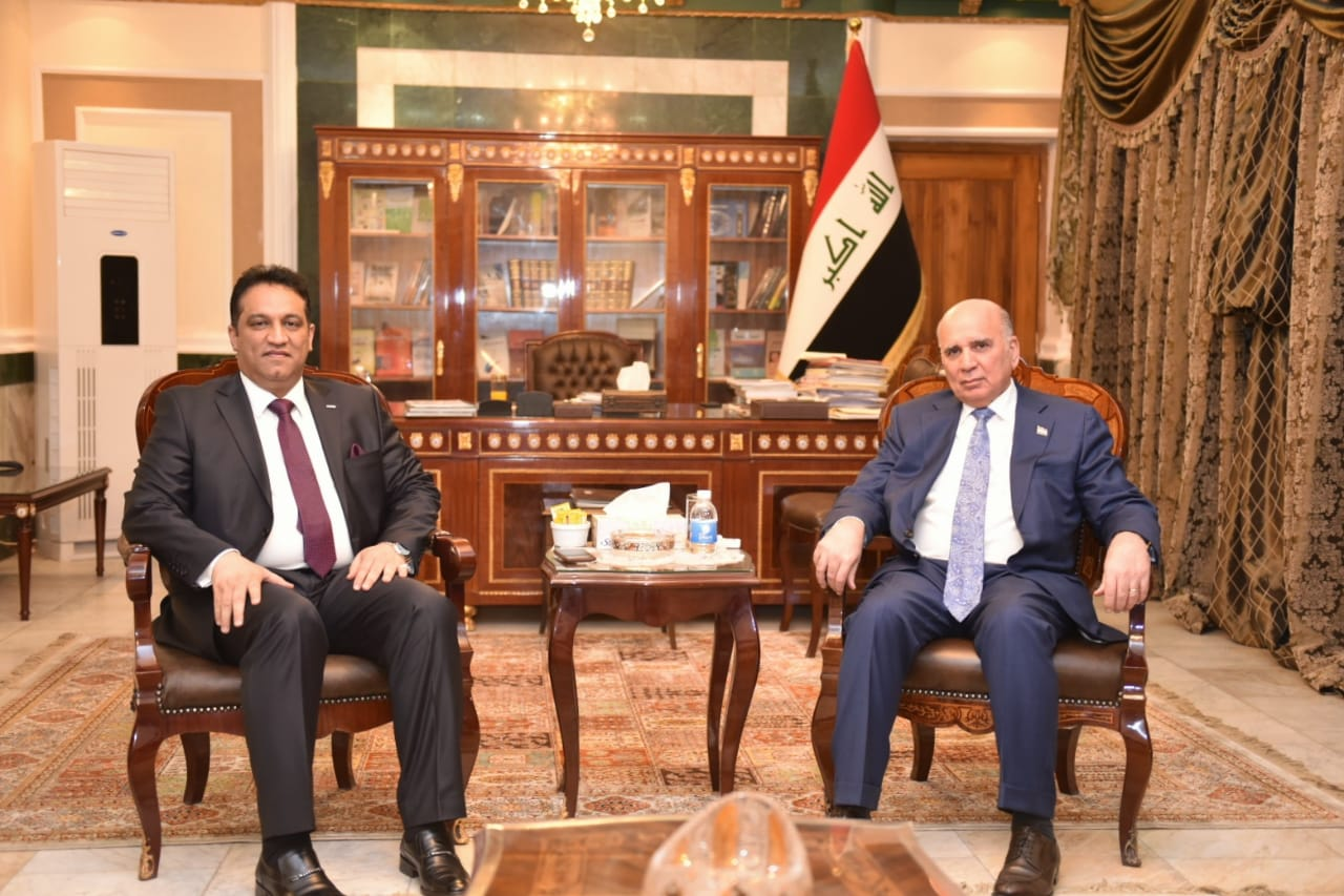 Deputy Prime Minister for Economic Affairs Minister of Finance meets a number of members of the Iraqi Council of Representatives Be67a479-b1e5-4084-a938-071bf7963cf5