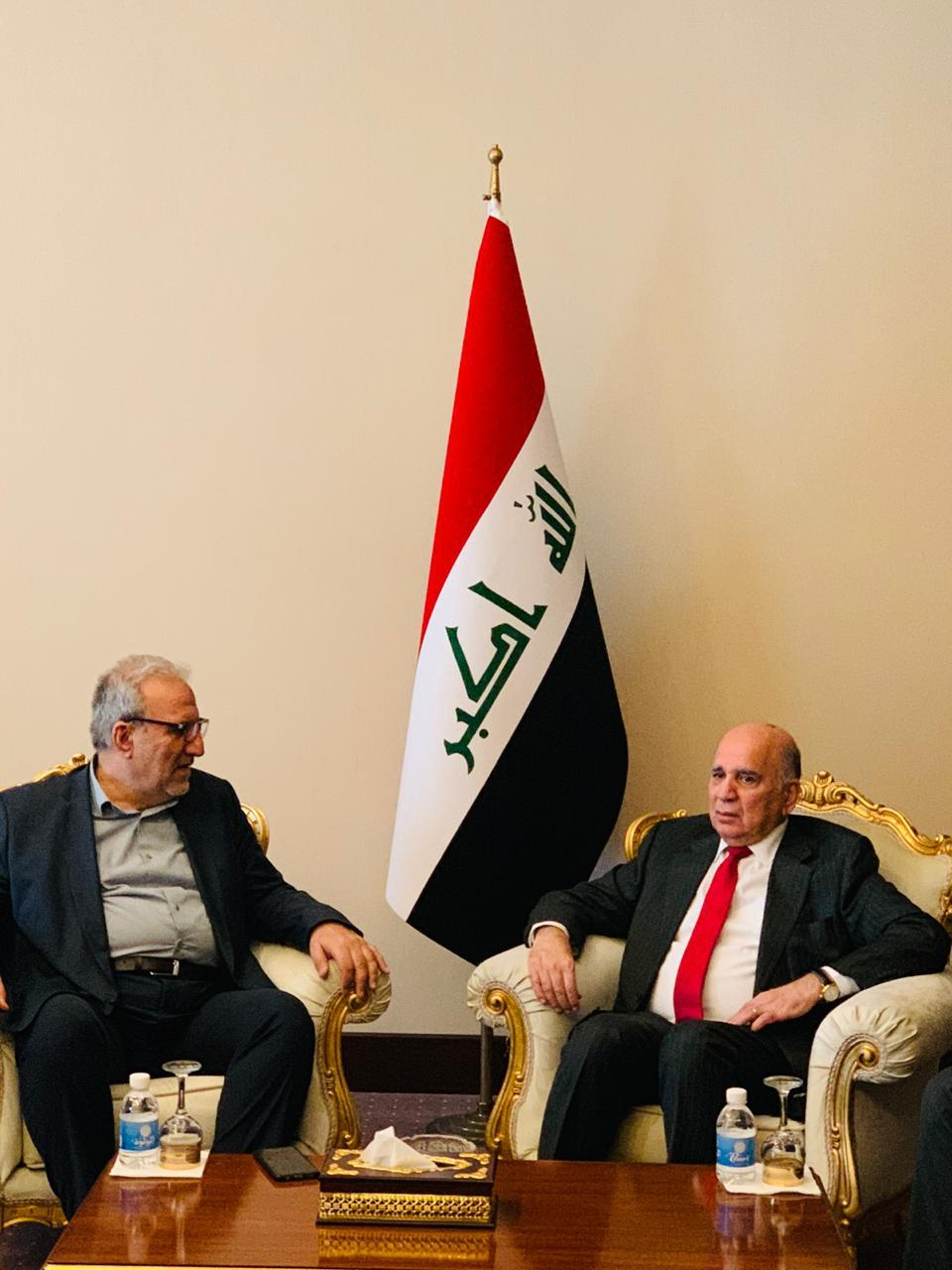 Deputy Prime Minister for Economic Affairs and Minister of Finance Fuad Hussein receives Haji Hassan Rashid, Deputy Secretary General of the Holy Husseiniya threshold and the delegation accompanying him. D27e47b5-1707-488a-b906-794b6297585f