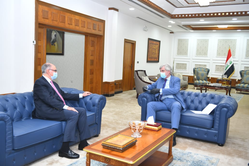 The Minister of Finance receives the Russian ambassador in Baghdad. F4044f00-0523-4a04-8096-7d3f23a488ee