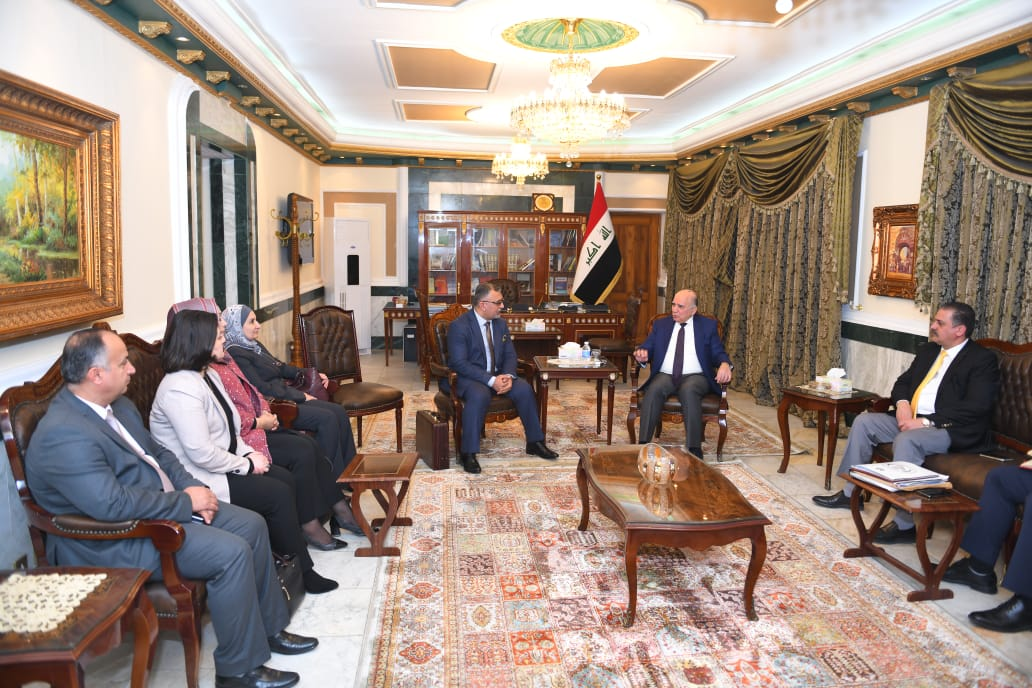 The Deputy Prime Minister for Economic Affairs and the Minister of Finance receives the President of the Federal Service Council and a number of Council members Mof545