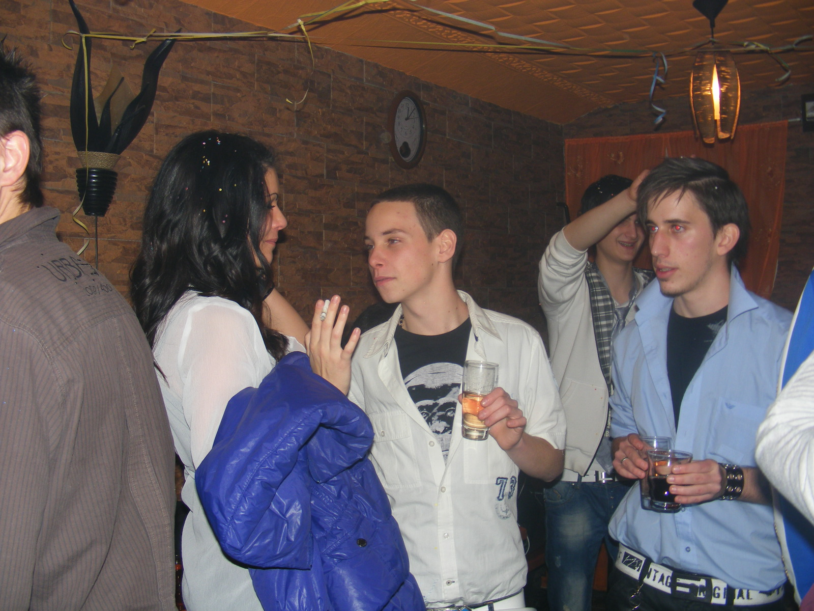 Discoteca en Hungría. Fotos Mohikan Soroko Szilveszter-048