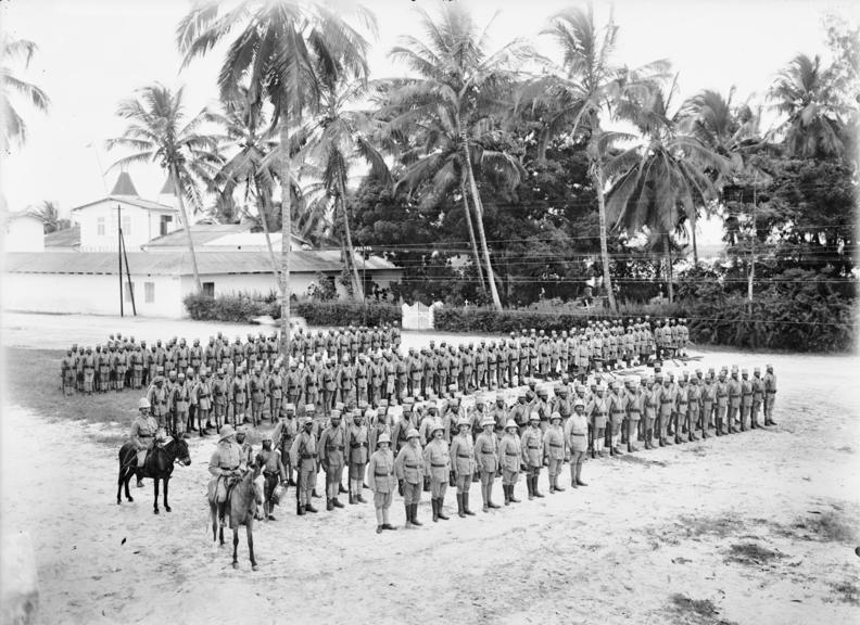 Centenario de la Primera Guerra Mundial - Página 2 German-east-africa-an-askari-unit-first-world-war