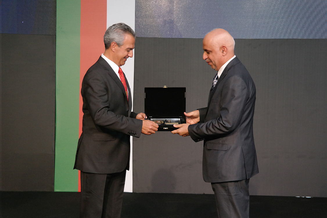 سلطنة عمان تستلم الوجبه الاولى من مدرعات Pars III من تركيا  FNSS4