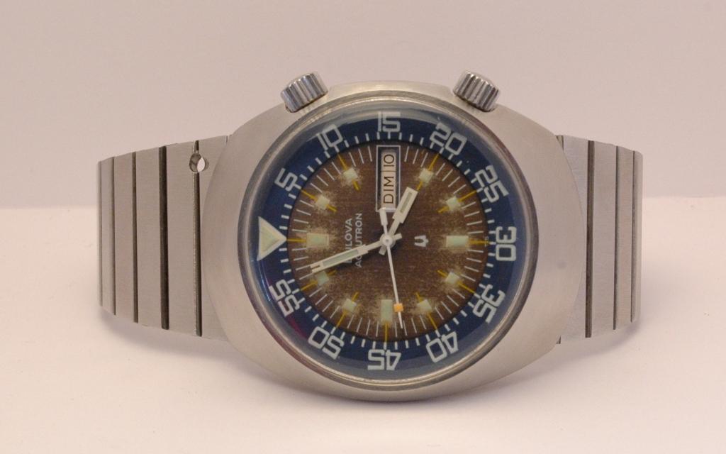 Bulova de plongée , Accutron , de ...1975 . Bulova_super_compressor_75