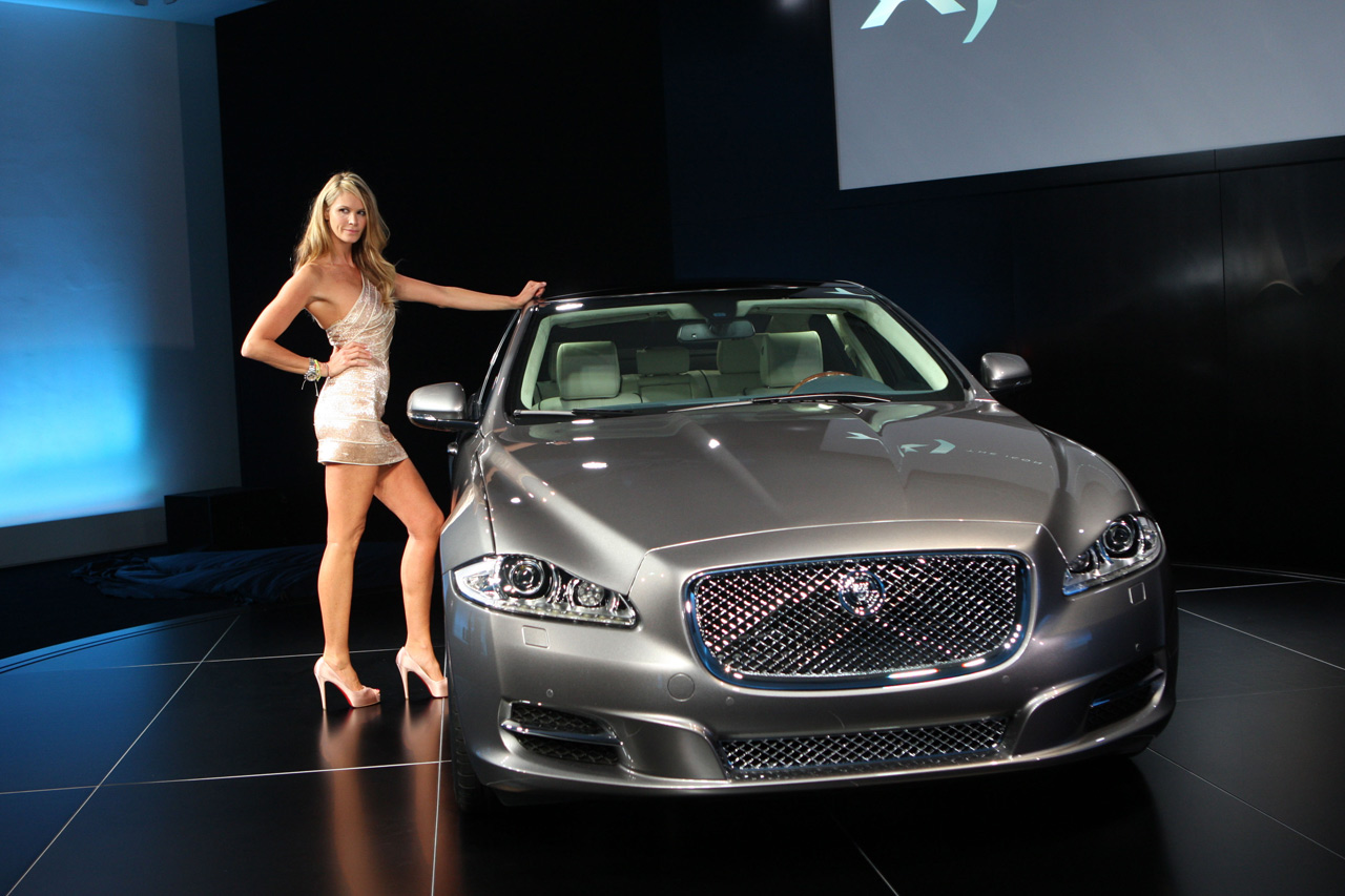 Brendovi  Jaguar-xj_launch_03